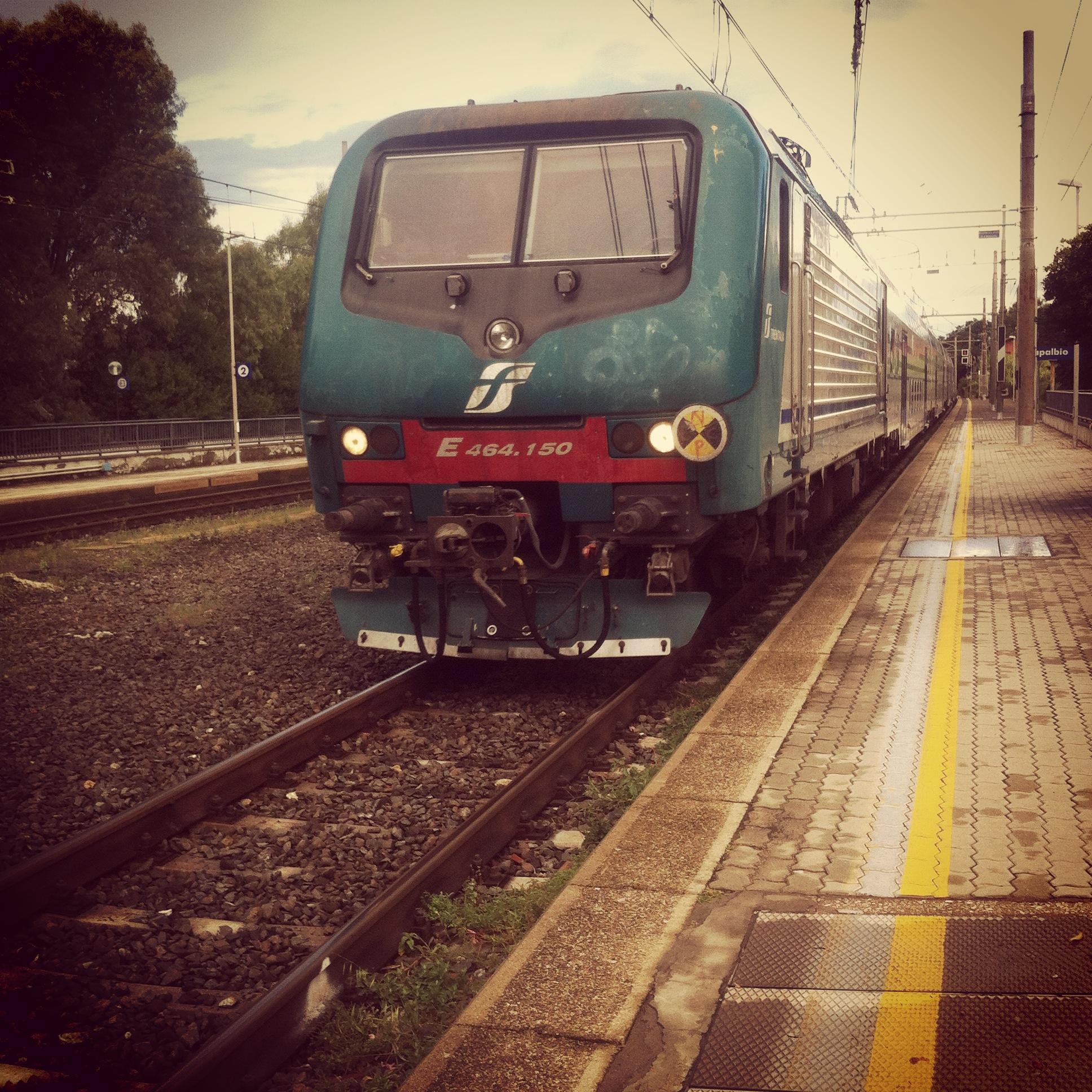 Di brevi tragitti in treno e di una mamma pendolare