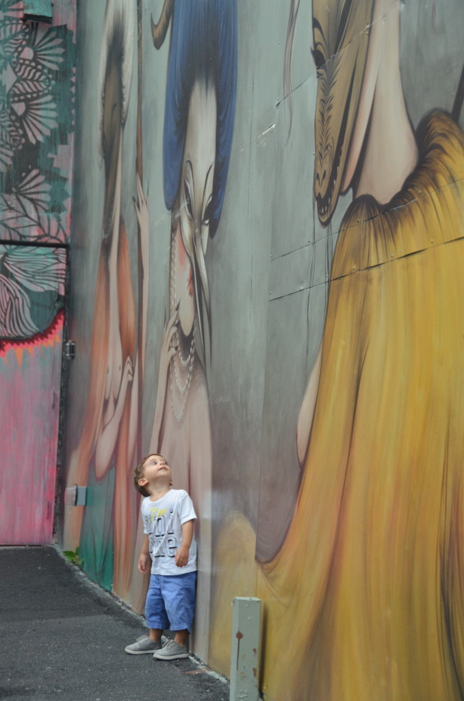 Miami - Wynwood District- Peekaboo Travel baby