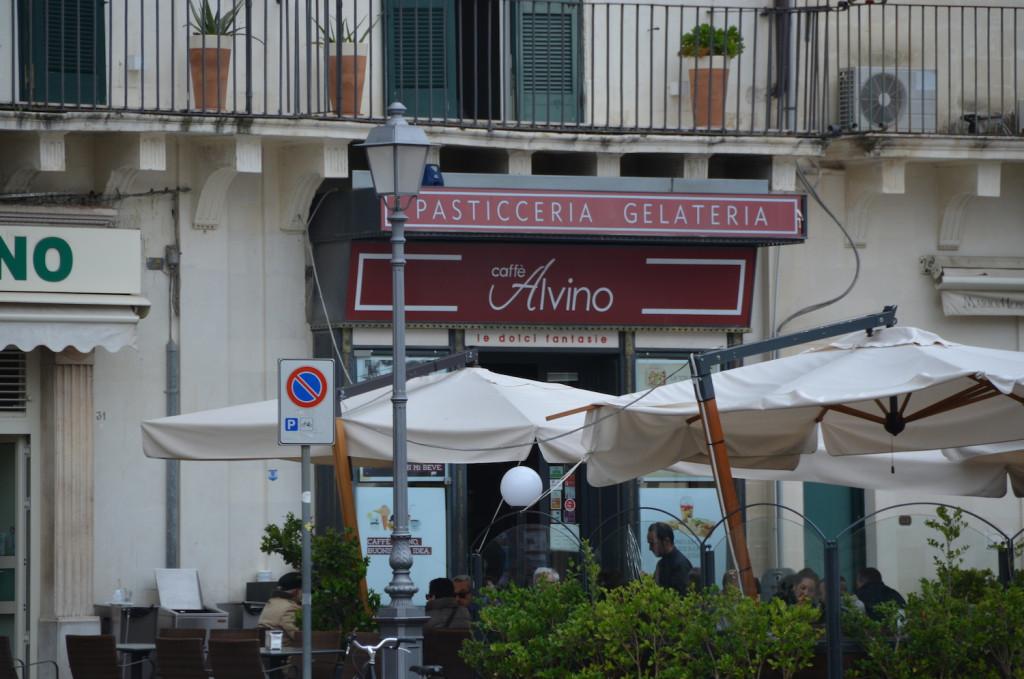 Caffe alvino - Cosa fare a Lecce in 1 giorno - Peekaboo Travel Baby