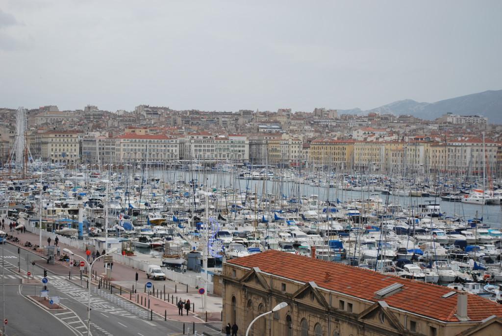 Vecchio Porto di Marsiglia - Peekaboo Travel Baby