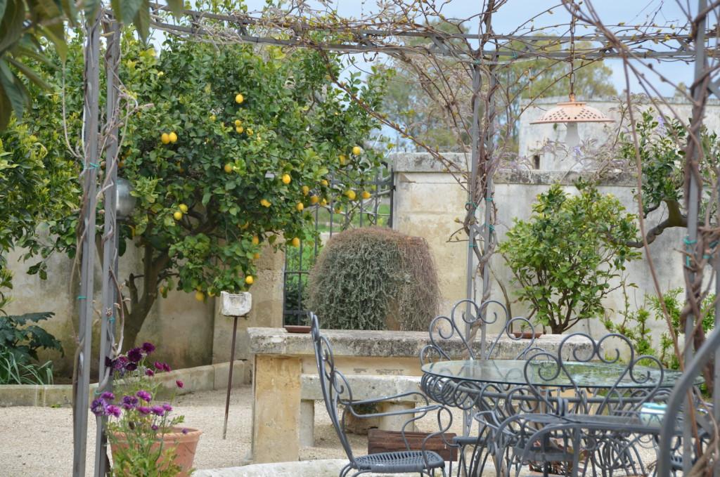Villa Urso -Giardino-Cosa fare a Lecce in 1 giorno - Peekaboo Travel Baby