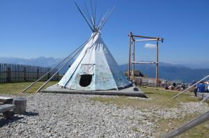 Montagna con bambini - Kikeriki il villaggio indiano a Plan de Corones - il tepee
