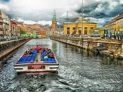 copenhagen-giro in barca- peekaboo in danimarca